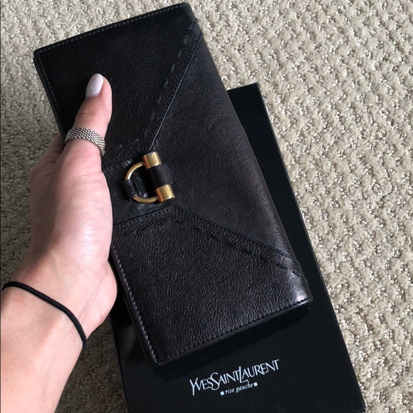 YSL Black Leather Wallet. M 5b13e2c41b32944154a8fde4 ffc21e42d107e